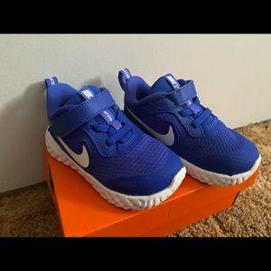 Nike kids shoes 👟 size 7c